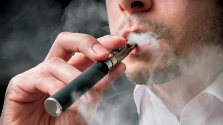 الإمارات تعتزم فرض ضريبة على أدوات التدخين الإلكترونية