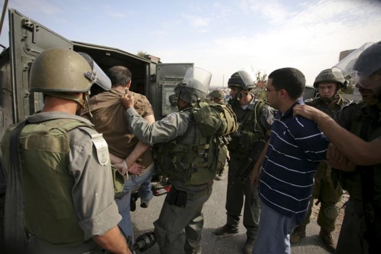 الاحتلال يعتقل 3 مواطنين بجنين