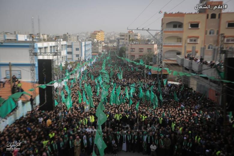 قاسم: مسيرات الأمس الضخمة تأكيد على التفاف الجماهير حول حماس