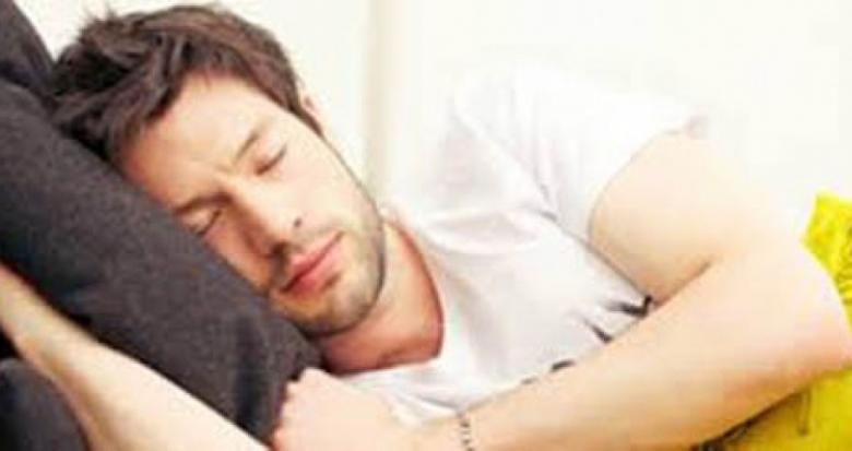 النوم المتقطع يوقظ التقلبات المزاجية