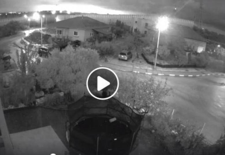 """لحظة انفجار الصاروخ بـ""""تل أبيب"""""""