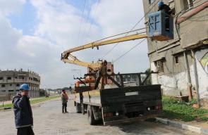إصلاح شركة الكهرباء الخطوط المتعطلة بغزة