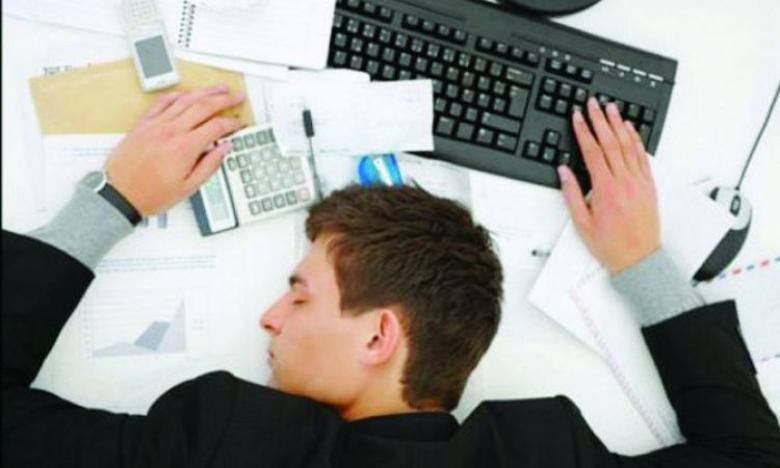 """نظام جديد """"يمنع"""" شعور الموظف بالنعاس"""