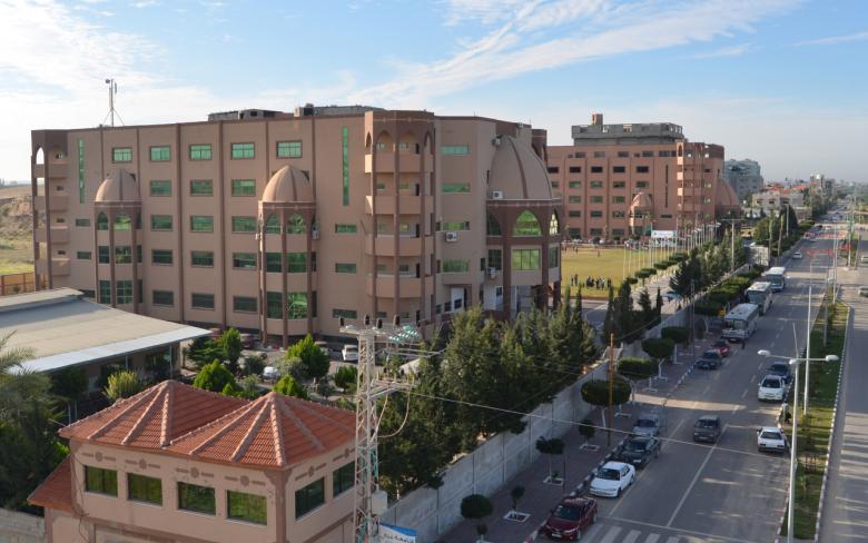 """جامعة فلسطين تُتيح لطلبة الأدبي دراسة """"الوسائط المتعددة"""""""
