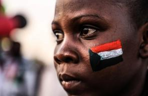 فعاليات فنية ينظمها المتظاهرون المعتصمون بالخرطوم