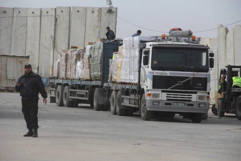 خبير إسرائيلي: المزيد من البضائع ستدخل لغزة