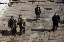 أربعة أسرى يدخلون أعوامًا جديدة داخل سجون الاحتلال