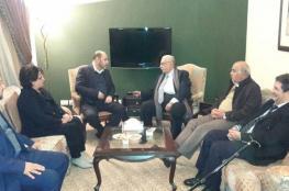 أبو مرزوق يلتقي بمنسق اللجان الشعبية في بيروت