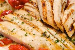أسباب تدفعك لتناول لحم الدجاج بدل اللحوم الحمراء