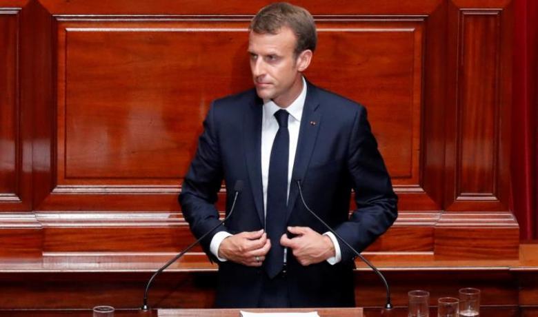 ماكرون يعلن عن قواعد لتنظيم الإسلام بفرنسا.. ما هي؟