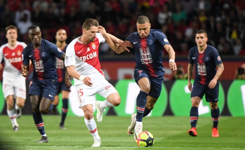 تأجيل مباراة موناكو وسان جيرمان بسبب سوء الأحوال الجوية