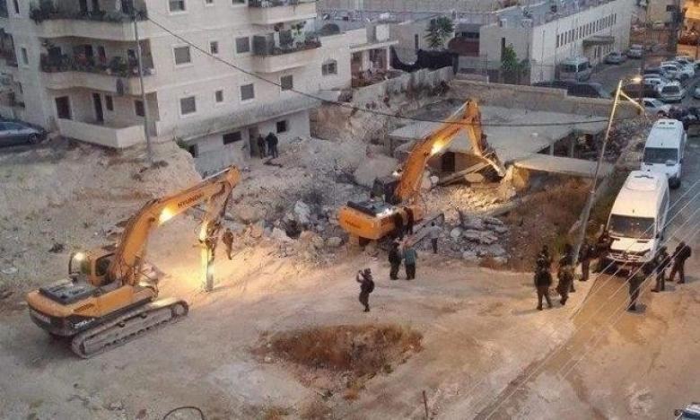 بلدية الاحتلال تهدم منزلا بالعيساوية وتشرد قاطنيه