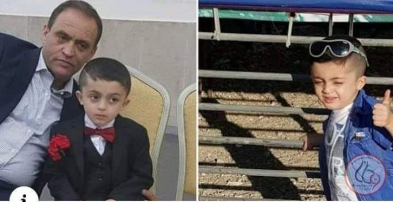 وفاة طفل بالخليل بعد سقوط لوح خشبي عليه نتيجة الرياح