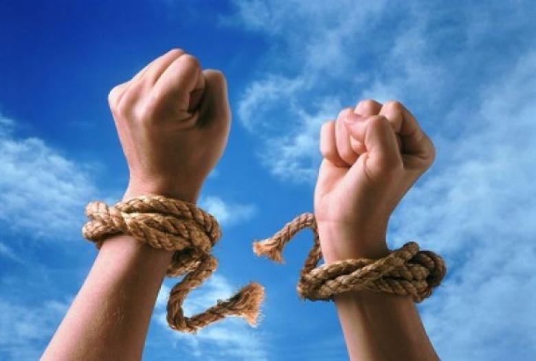 ضحايا العبودية الجديدة.. 40 مليونا بالعالم ونصف مليون بالدول العربية