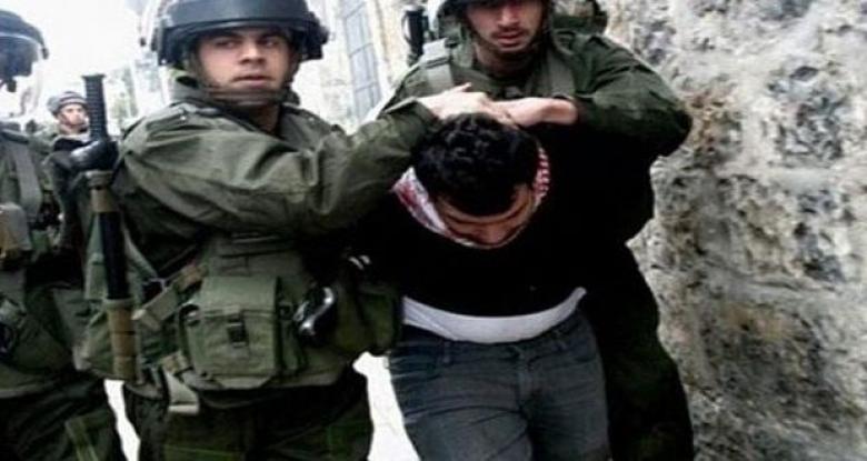 الاحتلال يعتقل أسيرا محررا فور خروجه من السجن