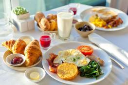 التخلي عن إحدى وجبات النهار.. ما أضراره الصحية؟