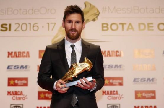 ميسي يحصد جائزة الحذاء الذهبي للمرة السادسة في تاريخه