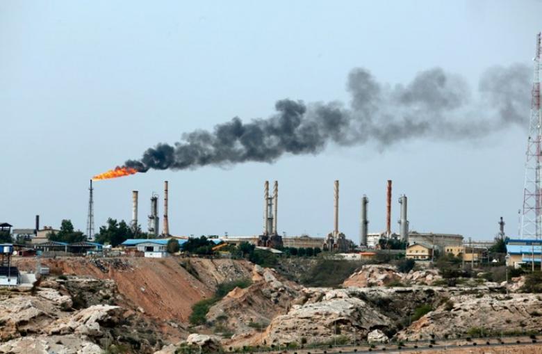 كيف كبدت العقوبات الأمريكية  إيران ثلثي صادراتها النفطية؟