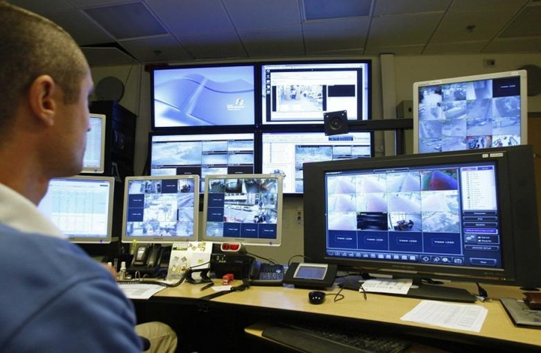 قلق إسرائيلي من انتقال خريجي الوحدات الاستخبارية للقطاع الخاص