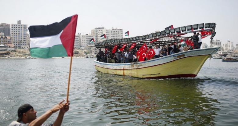 """فرنسا تمنع قاربين من أسطول """"حرية غزة"""" من دخول باريس"""
