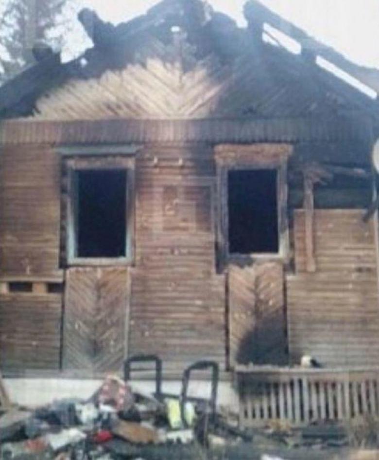 أم متوحشة تحرق منزلها وبداخله طفليها لأنها سئمت منهما