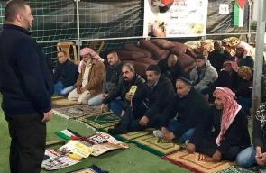 صلاة الجمعة في الخان الأحمر المهدد بالهدم شرقي القدس المحتلة