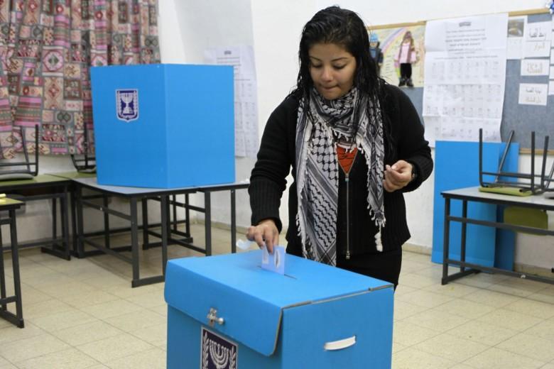 أموال سلطة رام الله في خدمة الانتخابات الإسرائيلية
