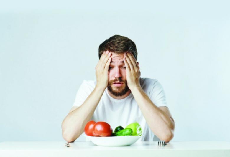 12 خطأ خلال الأكل قد تدمر صحتك