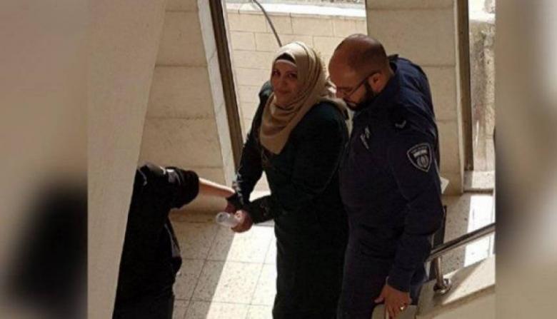 الاحتلال يجدد الاعتقال الإداري للأسيرة دعمس 4 أشهر