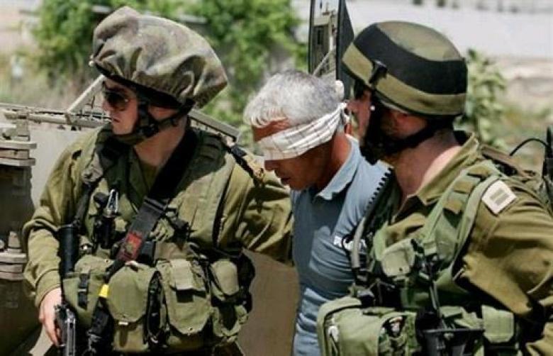 الاحتلال يعتقل شاباً على معبر الكرامة