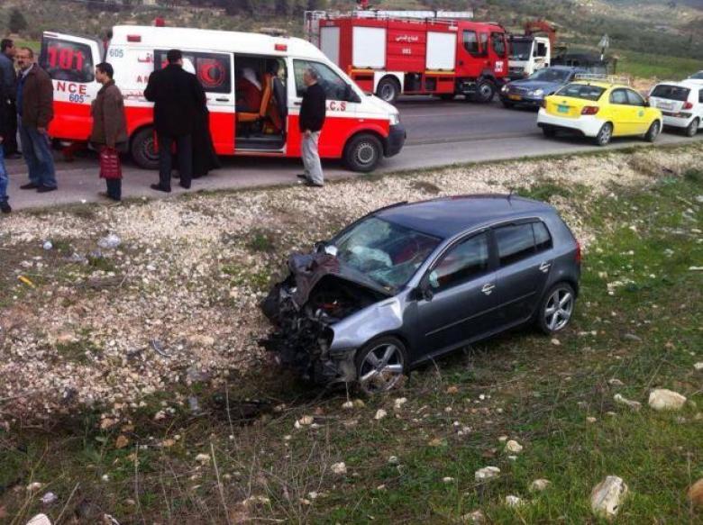 5 إصابات في حادث سير بجنين