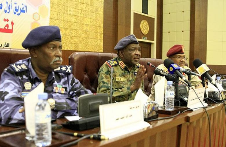 استقالة 3 أعضاء بالمجلس العسكري الانتقالي بالسودان