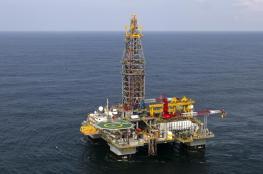النفط يصعد مع التوقعات بتمديد أوبك خفض الإنتاج