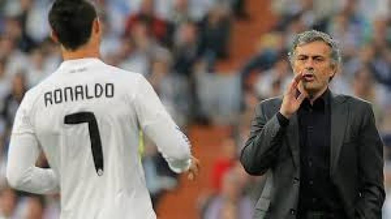 """مورينيو يدلي بكلمة الحسم عن """"عودة رونالدو"""""""