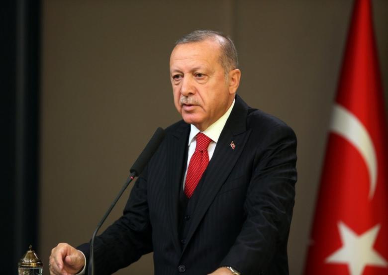 """أردوغان: ماكرون في حالة """"موت دماغي"""""""