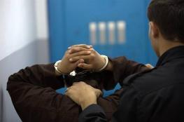 """مباحث غزة تضبط """"لصوص محترفين"""" بسرقة الهواتف المحمولة"""