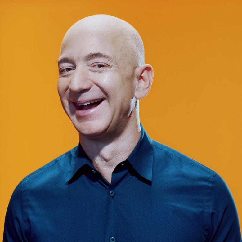 """مؤسس """"أمازون"""" يخسر 9.1 مليار دولار في يوم واحد"""