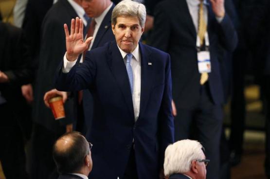 كيري: العقوبات على روسيا ستبقى حتى اتفاق السلام