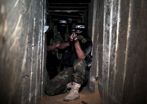 مسئول إسرائيلي: متخوفون من هجوم 100 قسامي فجائيا عبر الأنفاق