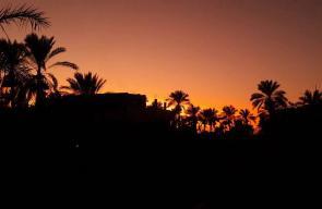 الشفق الأحمر بسماء دير البلح