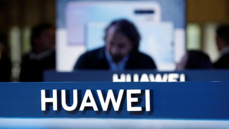 """""""هواوي"""" تسعى لتقليص اعتمادها على التكنولوجيا الأمريكية عبر روسيا"""