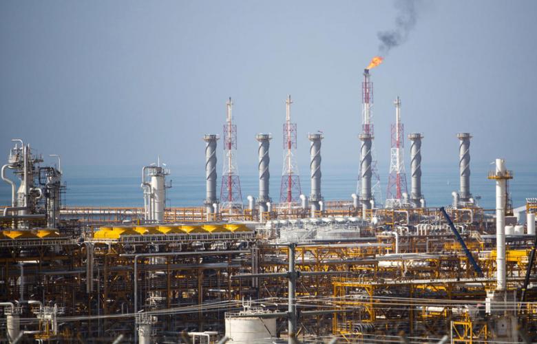 القطاع الخاص غير النفطي بمصر يتراجع.. والضغوط مستمرة