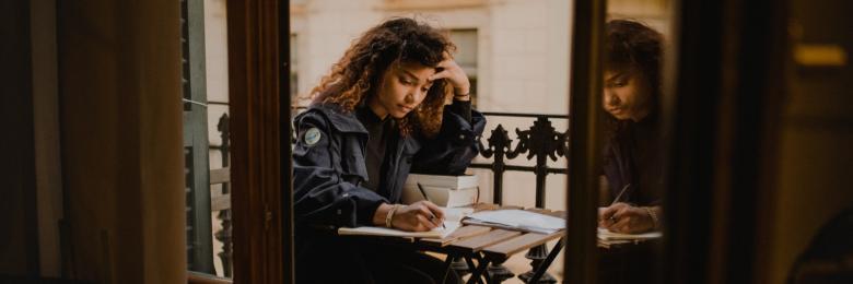 القراءة إحساس والكتابة شعور
