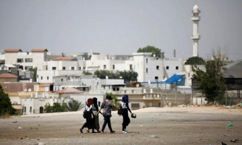 الاحتلال يعتقل شابا بزعم التحضير لعمليات تفجيرية برهط