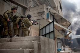 القدس: قوات الاحتلال تقتحم مخيم قلنديا وتلصق بيانات تحريضية
