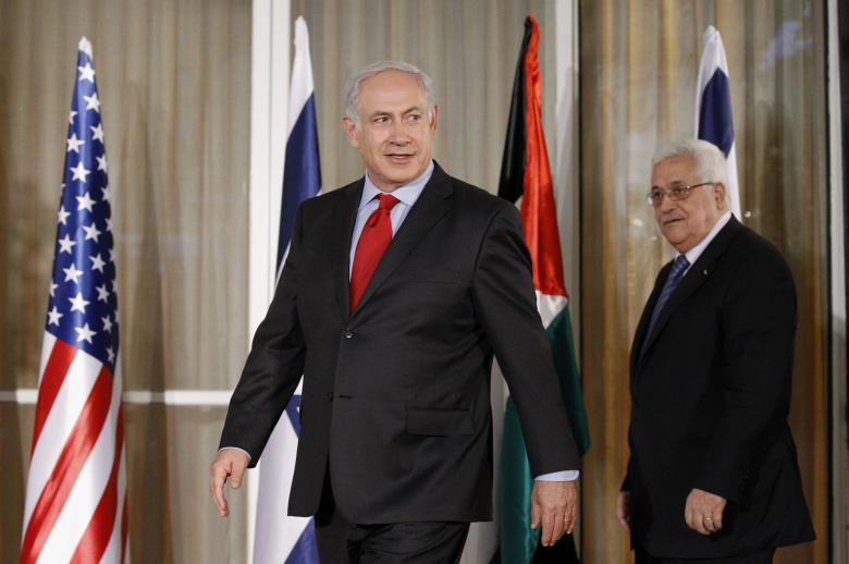 خبير إسرائيلي: هناك اتفاق بين عباس ونتنياهو ضد حماس