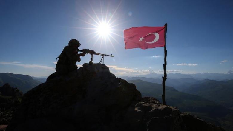 الداخلية التركية تُعلن تحييد 40 إرهابياً