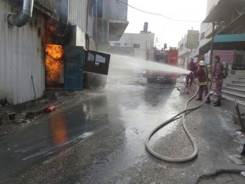 الدفاع المدني يوقف اندلاع حريق في مطعم جنوب نابلس
