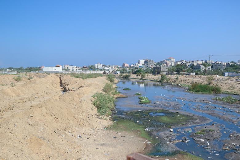 هكذا حرم الاحتلال غزة من مياه الأمطار