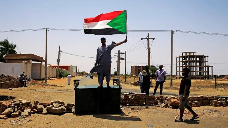 بلومبيرغ: السودان يترنح نحو الديمقراطية